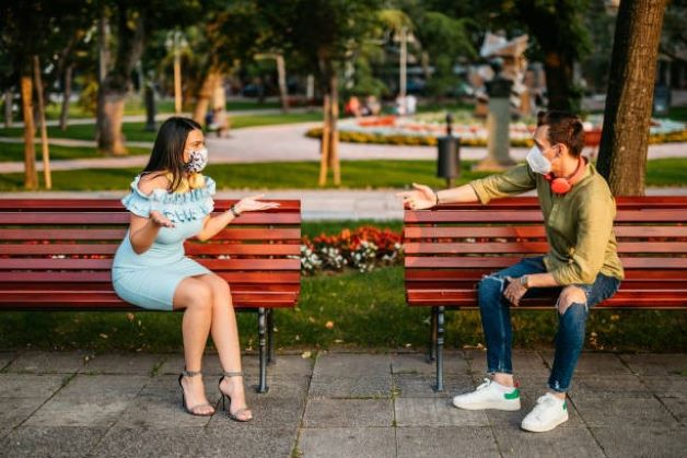 Men date but find it difficult to propose